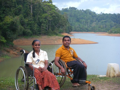 Saman shows Kusumalatha around his home area on his day trip  home